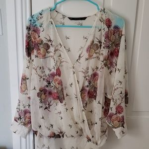 Gorgeous top with swallow print